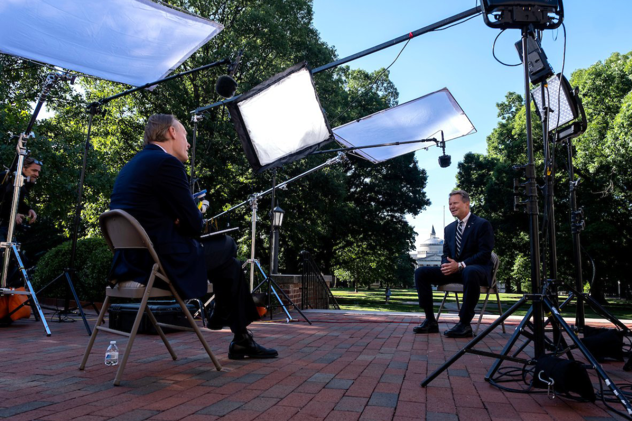 """60 Minutes"" correspondent John Dickerson interviews UNC Chancellor Kevin Guskiewicz on campus at Carolina."